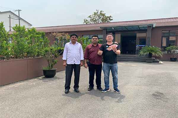 Customers from Pakistan Visited on Our Plastic Recycling Granulating Line